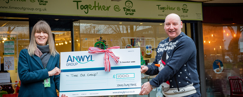 Festive funds donated to Handforth charity