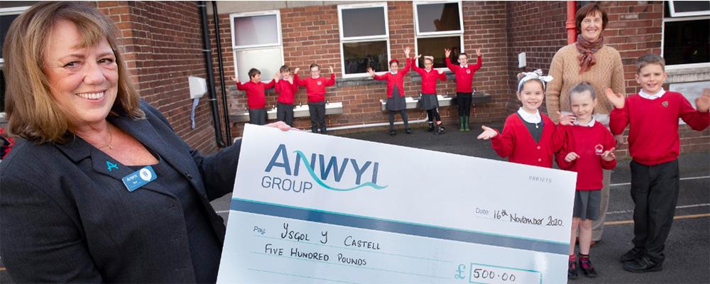 Anwyl helps school make a splash with new wash basins